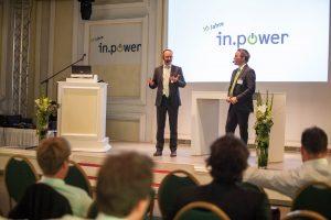 Geschäftsführer Matthias Roth und Josef Werum beim 10-jähriges Firmenjubiläum 2016.
